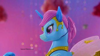 Shimmer and Shine Magical Flying Zahracorn TV Spot, 'Soaring High' - Thumbnail 6