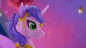 Shimmer and Shine Magical Flying Zahracorn TV Spot, 'Soaring High' - Thumbnail 7