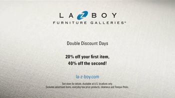 La-Z-Boy Double Discount Days TV Spot, 'White Sofa' Featuring Brooke Shields - Thumbnail 10