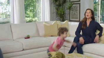 La-Z-Boy Double Discount Days TV Spot, 'White Sofa' Featuring Brooke Shields - Thumbnail 4
