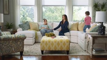 La-Z-Boy Double Discount Days TV Spot, 'White Sofa' Featuring Brooke Shields - Thumbnail 8