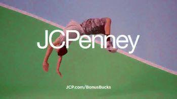 JCPenney TV Spot, 'Kick Up Your Style: Bonus Bucks' - Thumbnail 9