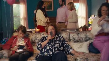 XFINITY TV Spot, 'Grandma's 80th Birthday: Starz' - Thumbnail 5