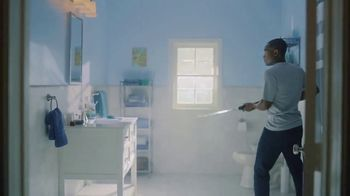 DIRECTV NFL Sunday Ticket TV Spot, 'Squeaky Clean' - Thumbnail 3