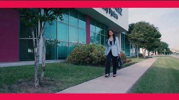 Sistema Universitario Ana G. Méndez TV Spot, 'Dos idiomas' [Spanish] - Thumbnail 1