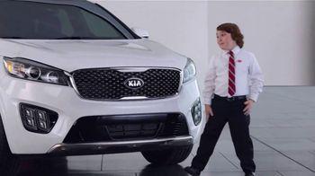 Kia America's Best Value Summer Clearance TV Spot, 'Hamburgers' - Thumbnail 4