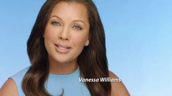 Clear Eyes TV Spot, 'Shining Moments' Featuring Vanessa Williams - Thumbnail 8
