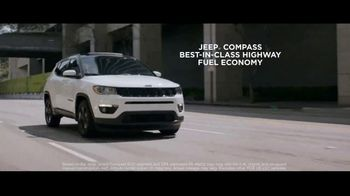 Jeep Summer of Jeep TV Spot, 'Full Line: Sold Out' Song by OneRepublic [T1] - Thumbnail 5