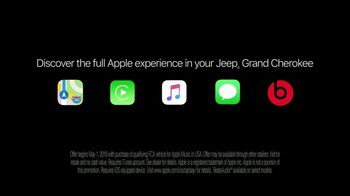 Jeep Summer of Jeep TV Spot, 'VIP: Apple Music' Song by OneRepublic [T1] - Thumbnail 9
