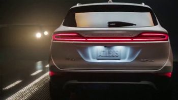 2018 Lincoln MKC TV Spot, 'New Perspective' [T2] - Thumbnail 6
