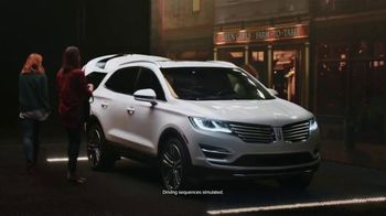 2018 Lincoln MKC TV Spot, 'New Perspective' [T2] - Thumbnail 8