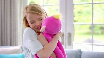 Fingerlings HUGS TV Spot, 'For That Main Squeeze Feeling' - Thumbnail 10