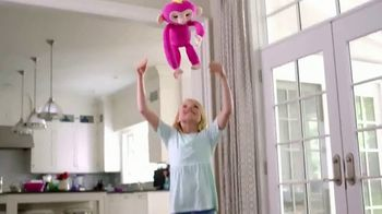 Fingerlings HUGS TV Spot, 'For That Main Squeeze Feeling' - Thumbnail 3