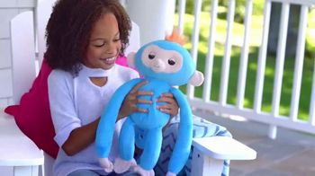 Fingerlings HUGS TV Spot, 'For That Main Squeeze Feeling' - Thumbnail 8