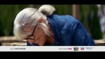 GreatCall Lively Mobile TV Spot, 'Mom Volunteer: First Month Free' - Thumbnail 1