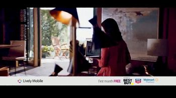 GreatCall Lively Mobile TV Spot, 'Mom Volunteer: First Month Free' - Thumbnail 3