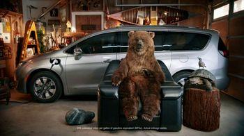 Chrysler Pacifica Hybrid TV Spot, 'Chair' [T2]