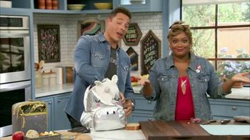 Target TV Spot, 'Food Network: The Kitchen Back to School Cook With Kids' - Thumbnail 3
