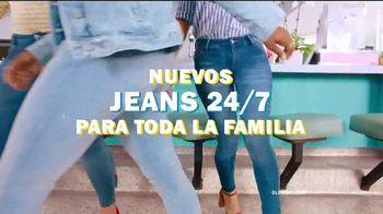 Old Navy 24/7 Jeans TV Spot, 'Para toda la familia' [Spanish] - Thumbnail 4