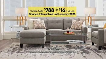 Rooms to Go TV Spot, 'Labor Day: Chaise Sofa' - Thumbnail 3