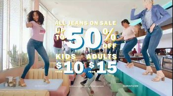 Old Navy 24/7 Denim TV Spot, 'Denim for the Fam: Kids $10' - Thumbnail 10