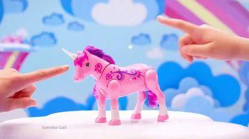 Little Live Pets Sparkles My Dancing Unicorn TV Spot, 'She Loves Back' - Thumbnail 7