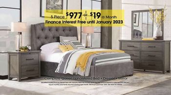 Rooms to Go TV Spot, 'Rustic Five-Piece Bedroom Queen Set' - Thumbnail 4