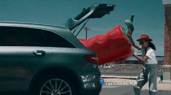 2018 Mercedes-Benz GLC 4MATIC TV Spot, 'Roadside Attractions'