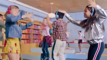Old Navy Kids & Baby Sale TV Spot, 'Back-to-School Styles' - Thumbnail 8