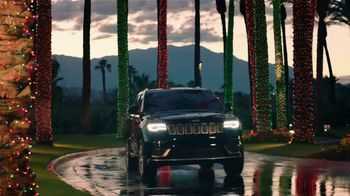 Jeep Black Friday Sales Event TV Spot, 'Colorful Christmas' Song by OneRepublic [T2]