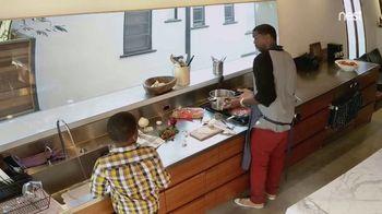 Google Home Hub TV Spot, 'Cooking' Song by Benny Goodman - Thumbnail 4