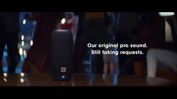 JBL LINK TV Spot, 'Request' Song by Kaskade - Thumbnail 10