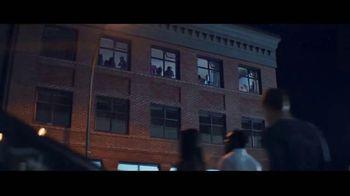 JBL LINK TV Spot, 'Request' Song by Kaskade - Thumbnail 8