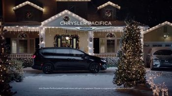 Chrysler Pacifica TV Spot, 'Caroling' Featuring Kathryn Hahn, Song by Scott Stallone, MC Rellik [T1] - Thumbnail 10