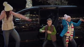 Chrysler Pacifica TV Spot, 'Caroling' Featuring Kathryn Hahn, Song by Scott Stallone, MC Rellik [T1] - Thumbnail 7
