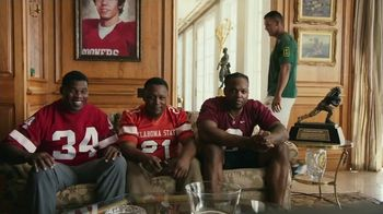 Nissan TV Spot, 'Heisman House: Rivalry Week: Beavers' Featuring Marcus Mariota [T1] - Thumbnail 3