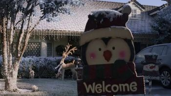 Walmart TV Spot, 'Sonrisas que alegran la Navidad' canción de Elvis Crespo [Spanish] - Thumbnail 1
