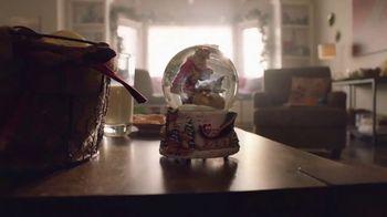 Walmart TV Spot, 'Sonrisas que alegran la Navidad' canción de Elvis Crespo [Spanish] - Thumbnail 3