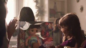 Walmart TV Spot, 'Sonrisas que alegran la Navidad' canción de Elvis Crespo [Spanish] - Thumbnail 7