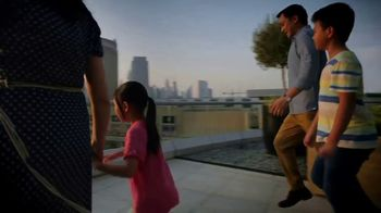 Emirates TV Spot, 'Fly Better Around the World' - Thumbnail 9