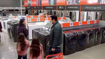 The Home Depot Black Friday Savings TV Spot, 'Refrigerador de LG'  [Spanish]