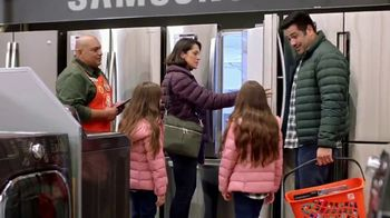 The Home Depot Black Friday Savings TV Spot, 'Refrigerador de LG'  [Spanish] - Thumbnail 3
