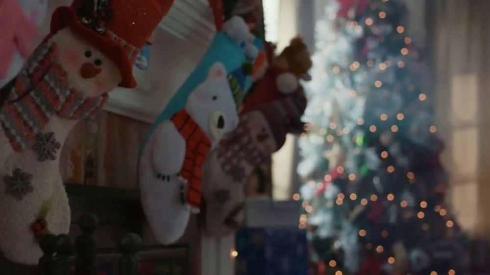 walmart tv commercial 2018 holidays christmas morning song by the isley brothers ispottv - Does Walmart Close On Christmas