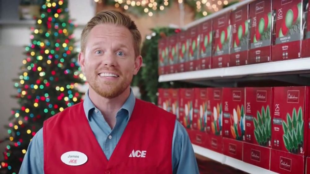 Ace Hardware Christmas Commercial 2019 ACE Hardware Bag Sale TV Commercial, 'Right Around the Corner