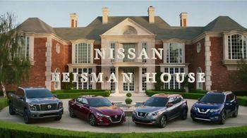 Nissan TV Spot, 'Heisman House: BBQ' Featuring Herschel Walker, Marcus Mariota [T1] - Thumbnail 1