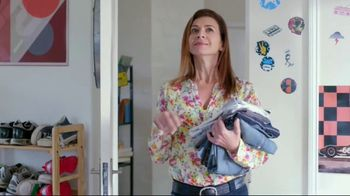 Febreze Unstopables TV Spot, 'Try It Again and Again' - Thumbnail 9