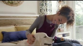 Ashley HomeStore Fall Mattress Sale TV Spot, 'Cozy Up' - Thumbnail 2
