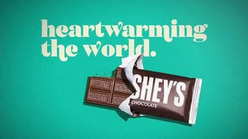 Hershey's TV Spot, 'Heartwarming the World: Anthem' Song by Noah Cyrus - Thumbnail 10