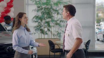 Toyota Camry TV Spot, 'Pat the Intern: Keys' [T2] - Thumbnail 6
