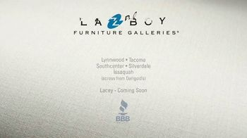 La-Z-Boy Super Sofa Sale TV Spot, 'Get to the End' Featuring Brooke Shields - Thumbnail 10